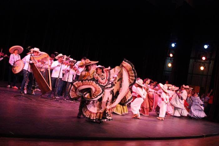 Convoca SC a bailadores infantiles de sones y jarabes tradicionales