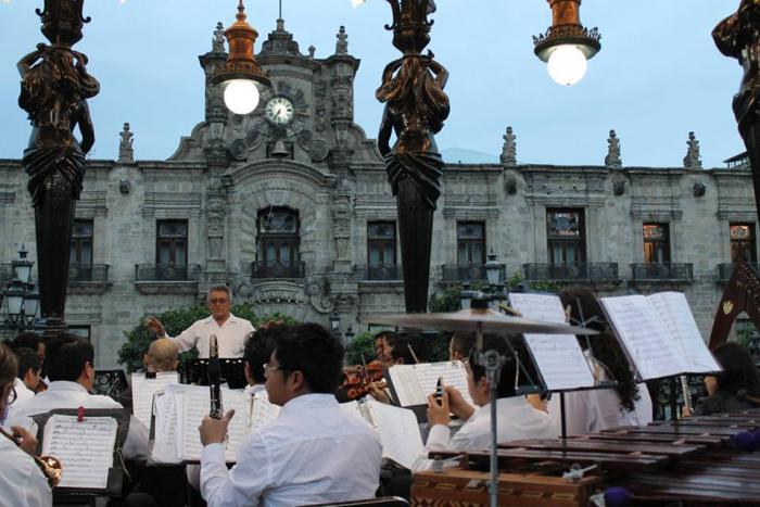 Concierto del 38 aniversario de la Orquesta Típica de Guadalajara