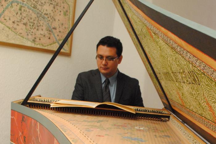 Solo per il Cembalo: Gira de conciertos de clavecín