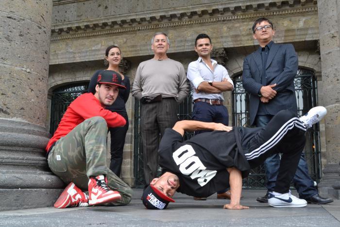 Deja las calles el hip hop para tomar el Teatro Degollado
