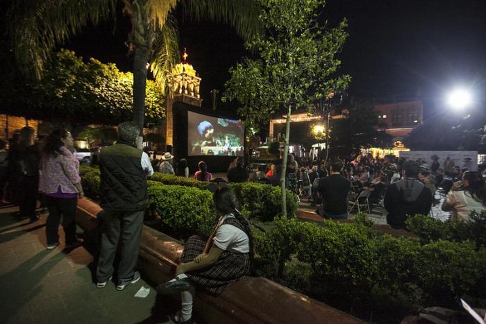 Llevan cine mexicano a parques y barrios del Área Metropolitana