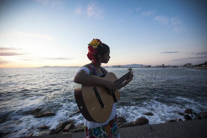 Unen esfuerzos PECDA y Cultura Cardinal en beneficio de creadoras y creadores del AMG y Puerto Vallarta