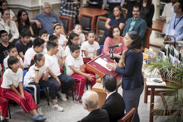 """Dotan de libros infantiles a bibliotecas con la campaña """"Leamos para crecer"""""""