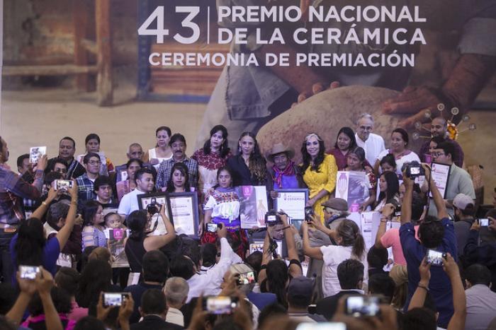 Reconocen a los artesanos con Premio Nacional de la Cerámica en su edición 43