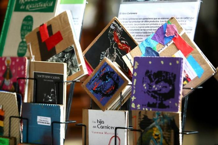 """Donan libros """"cartoneros"""" a la Biblioteca Central Estatal de la SC"""