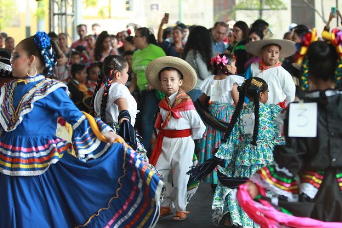 Pequeños músicos y bailadores toman la estafeta  en el ENMT