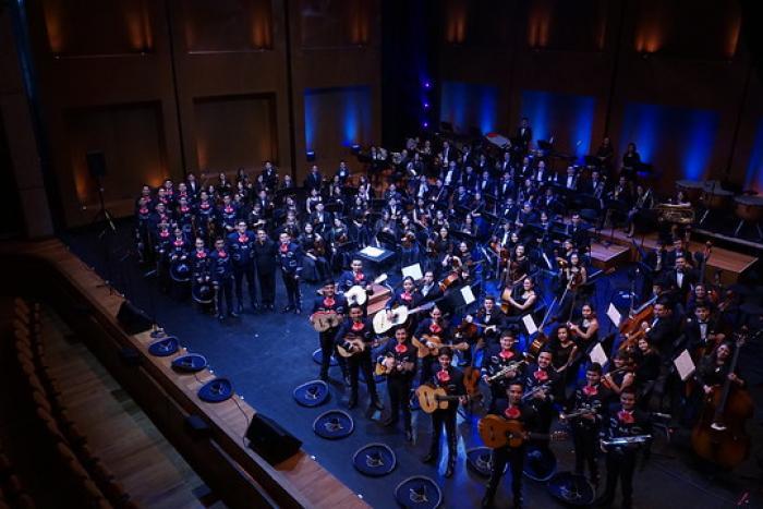 Alumnos del Programa ECOS llevan música de Jalisco a Colombia