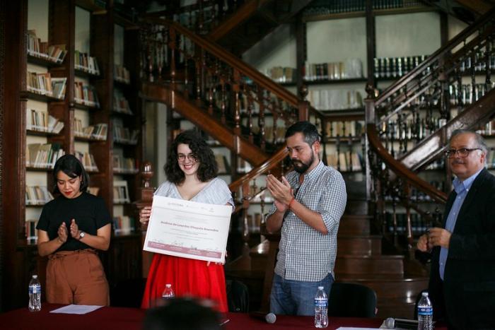 Entregan Premio Nacional de Ensayo Joven José Luis Martínez 2019 a Andrea Chapela
