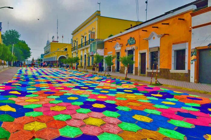Impone Etzatlán récord mundial con el pabellón de tejido más grande del mundo