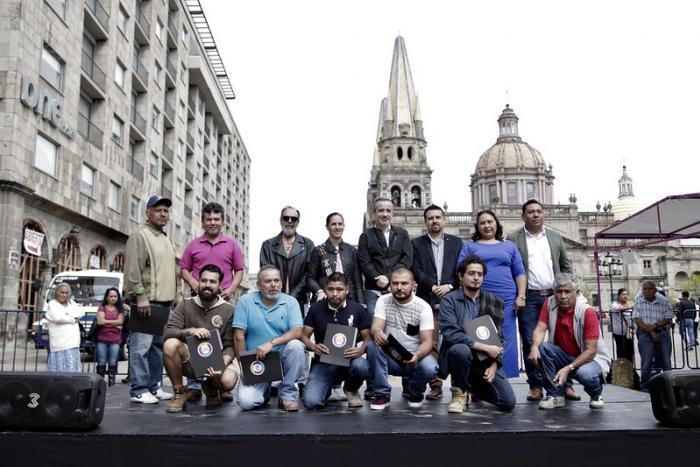 Premian obra de artesanos en el Concurso Estatal de Labrado en Cantera y Lapidaria