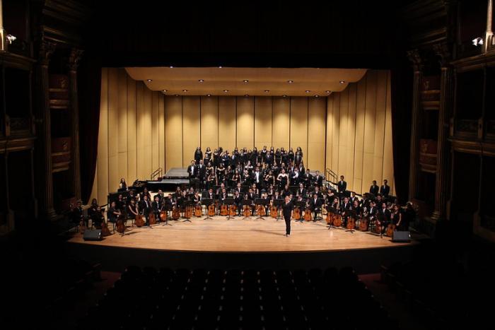 Brindan concierto niñas, niños y jóvenes de Ecos,  música para la paz