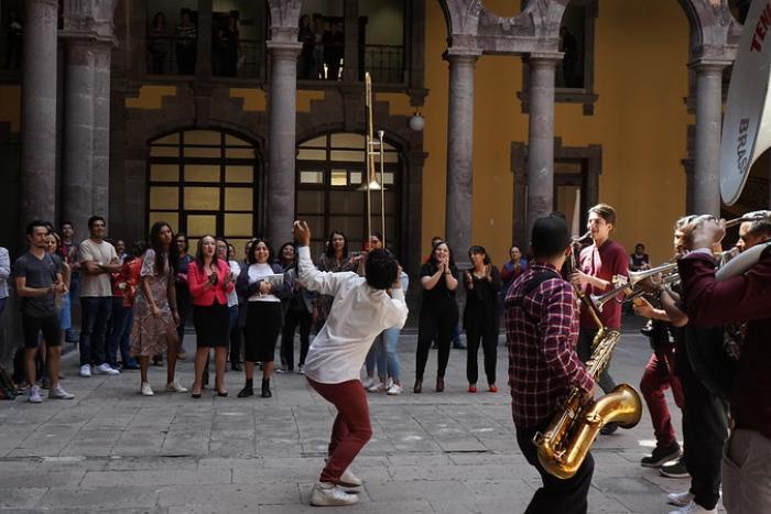 Invitan a artistas a participar en pacificación de Jalisco  a través de Pequeñas Dosis de Arte