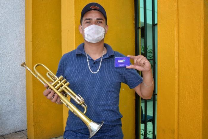 Reciben artistas de zonas Valles, Laguna y Sierra Occidental, apoyo de SumArte en casa