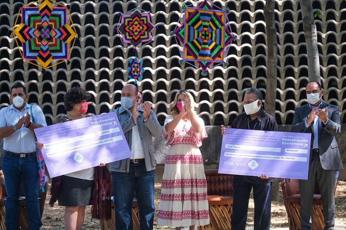 Reconoce Enrique Alfaro la tradición artesanal con el Galardón Jalisco a la Artesanía    y Arte Indígena