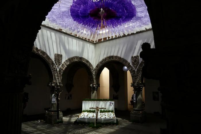 """Presentan instalación sobre el """"Tendido de Cristos"""" de San Martín de Hidalgo en el Patio de los Ángeles"""