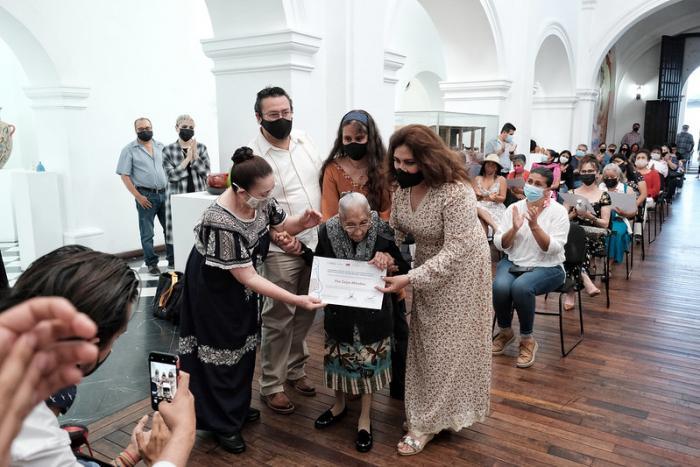 Concluye la Semana de la Mujer Artesana con reflexiones y reconocimientos al papel de la mujer en el arte popular