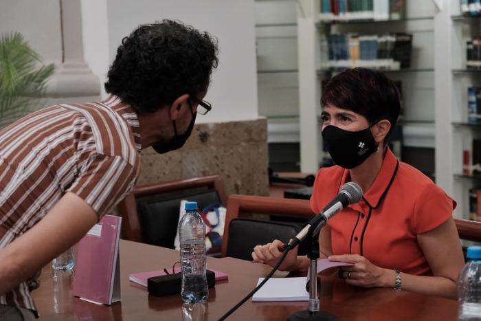 "Presenta Teresa González ""La mala memoria"" en El Guardagujas"