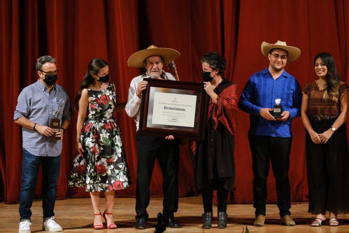Realizan homenaje a Cornelio García en la clausura del XX Encuentro Nacional de Mariachi Tradicional