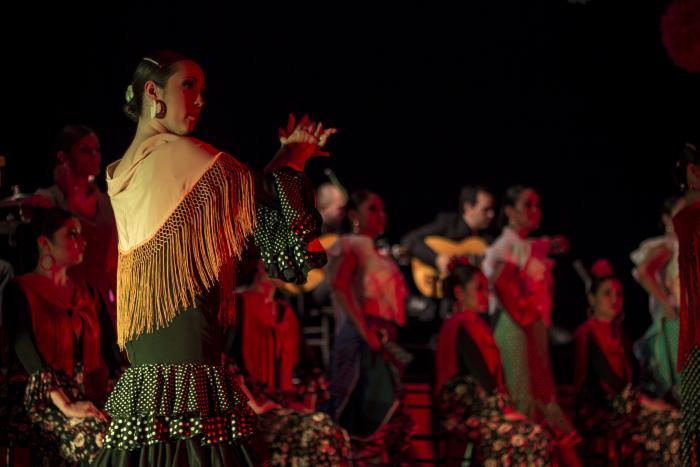 """Jueves de Danza """"Rojo flamenco"""""""