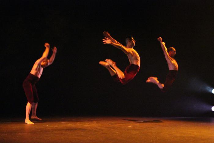 La cita semanal con la danza nos tres trajo coreografías de estreno