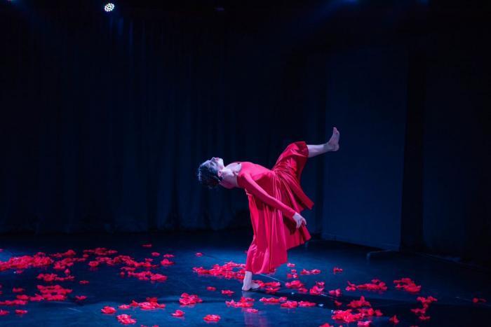 Jueves de danza: Raíz de Mujer