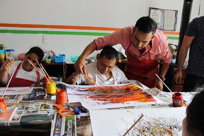 Programa de arte para personas con parálisis cerebral en Guadalajara, Jalisco