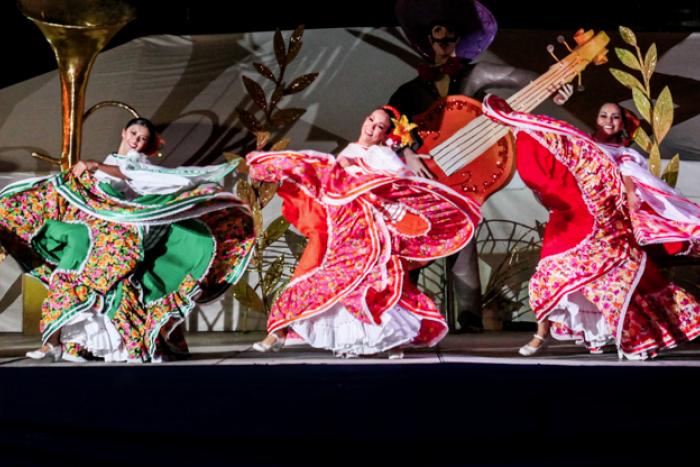 FESTA Jalisco - Danza y música en el Teatro Degollado