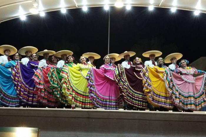 """Jueves de Danza: Grupo Folklórico""""Tierra y Libertad"""""""