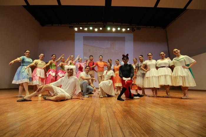 De las letras a la danza: Caperucita Roja