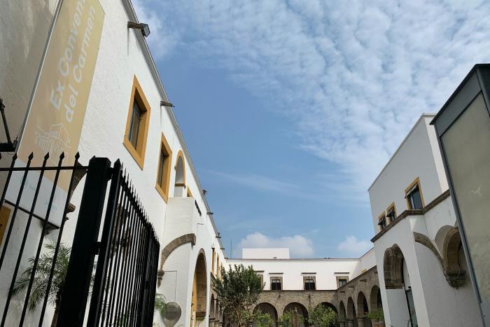 Pioneros del arte moderno y contemporáneo de Jalisco    se reúnen en el Ex Convento del Carmen