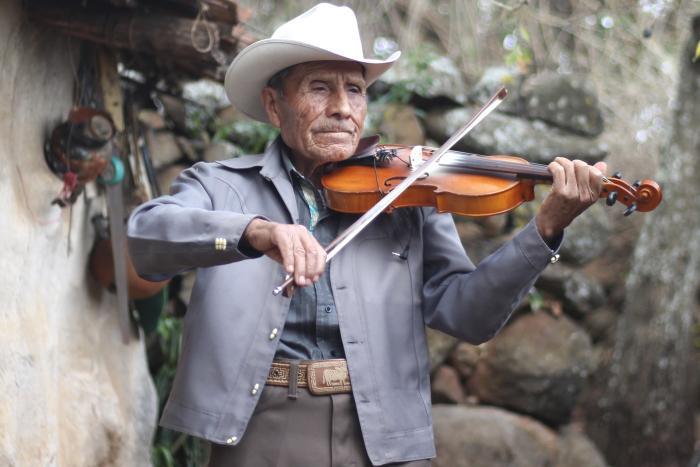 Reconocimiento a la Trayectoria de José María Cobarrubia Reyes