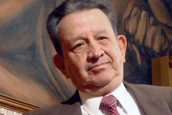 Luis Sandoval Godoy, escritor y periodista  (1927-2019)