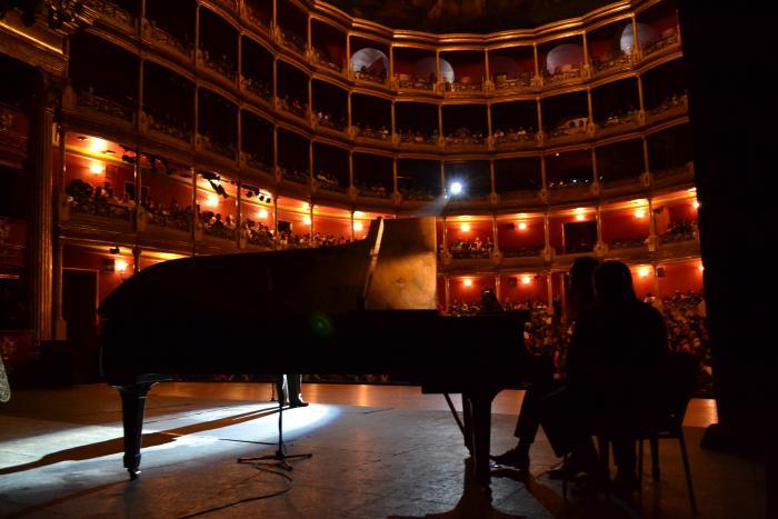 Exitosa velada con Menotti  en los Martes de Música y Ópera