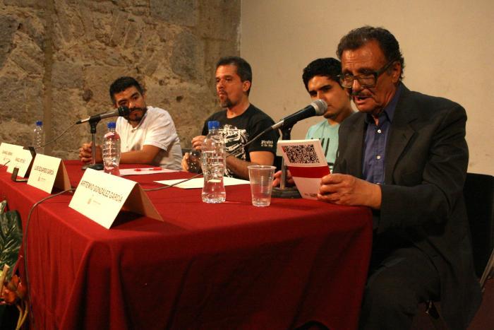 Se reúnen poesía joven y sus autores en el Ex Convento del Carmen