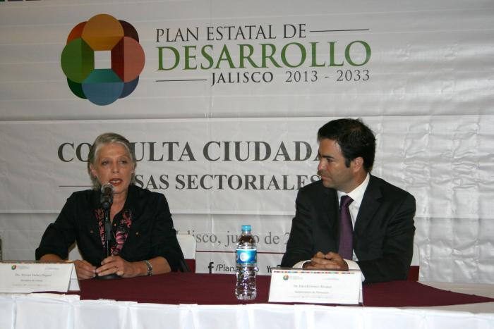 Participa la comunidad cultural en las mesas de trabajo del Plan Estatal de Desarrollo Jalisco 2013-2033
