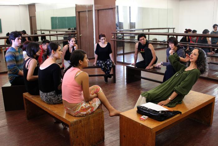 """Inicia el taller de actuación """"Del cuerpo al corazón"""" en la MET 2014"""