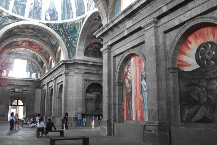 Visitas guiadas a los murales de José Clemente Orozco en el Instituto Cultural Cabañas